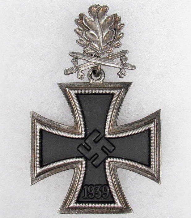 23: GERMAN NAZI KNIGHTS CROSS W/ OAK LEAVES AND SWORDS