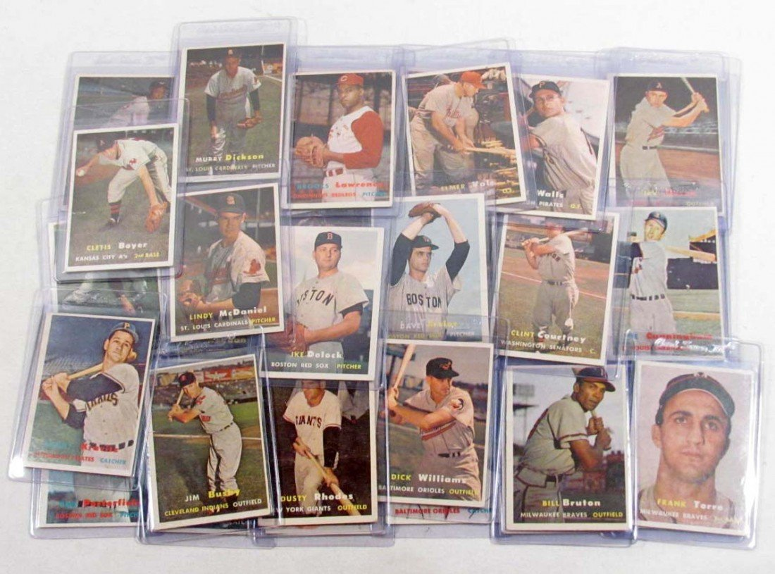 1: LOT OF 35 1957 TOPPS BASEBALL CARDS