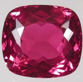 24: 33.05 CTS. TOP RED TOPAZ