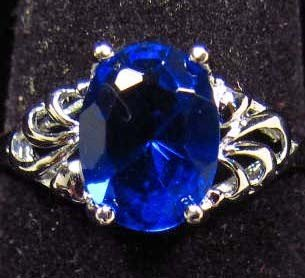15: 8920 - GORGEOUS SAPPHIRE RING IN SILVER - SZ. 8