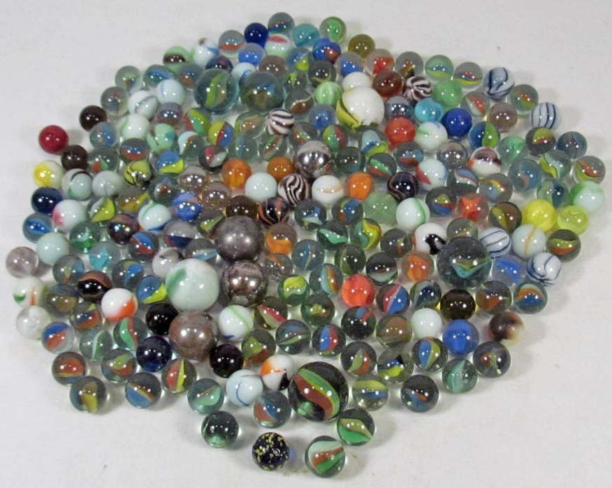 6: LARGE LOT OF VINTAGE MARBLES INCL. SHOOTERS