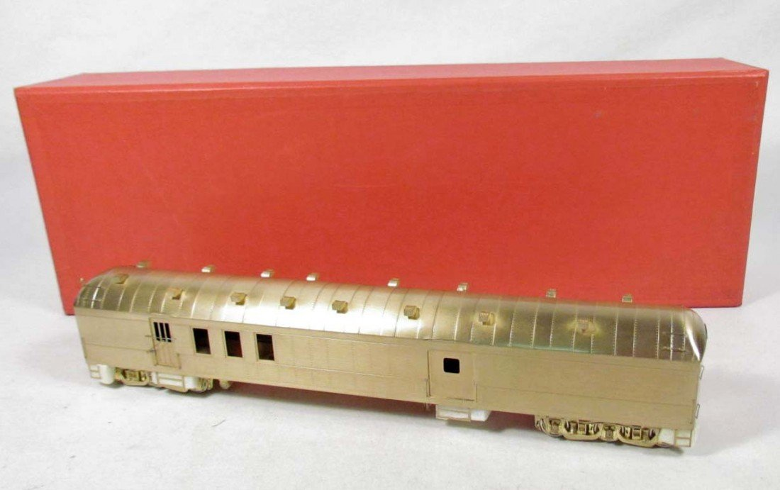16: THE COACH YARD 69' HARRIMAN BAGGAGE-RPO NO. 5046 TR