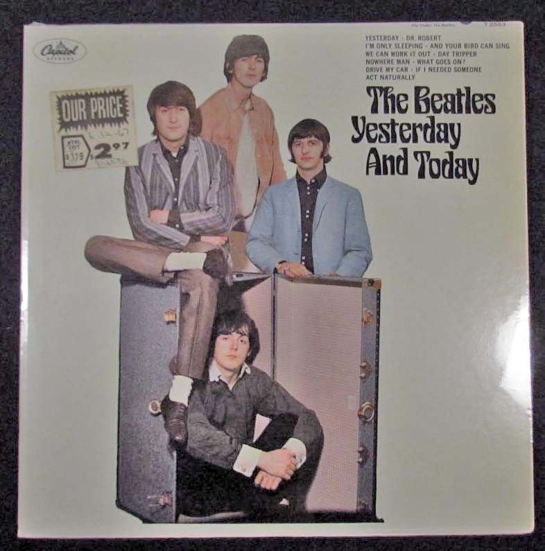 """VINTAGE BEATLES ALBUM """"THE BEATLES YESTERDAY AND T"""