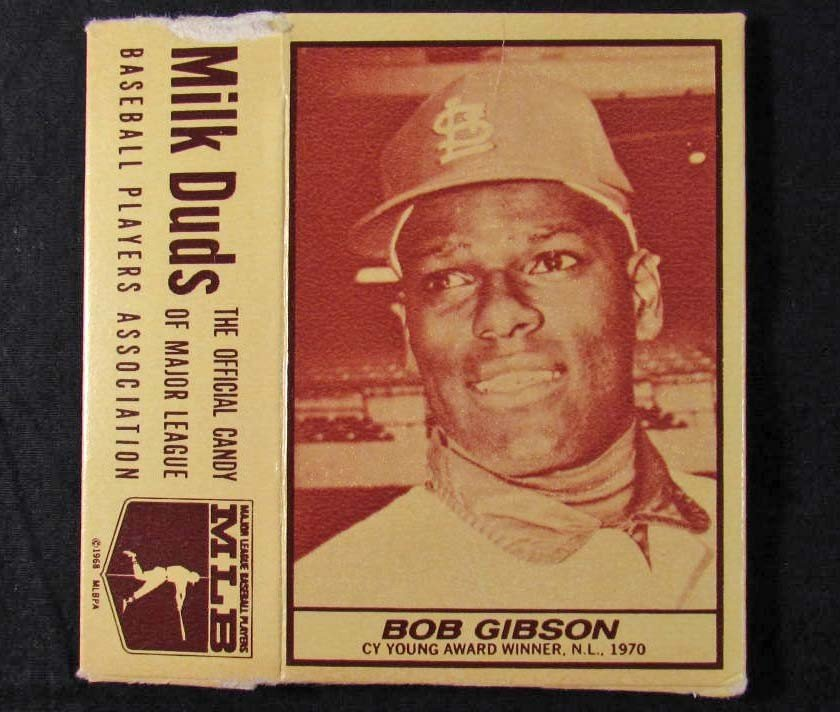 13: 1971 BOB GIBSON MILK DUDS ADVERTISING BASEBALL CARD