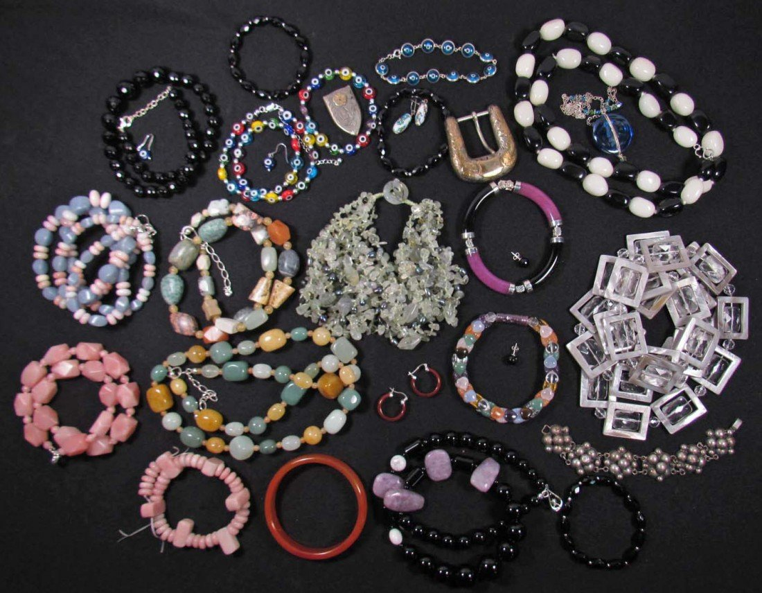 20: LOT OF ESTATE JEWELRY W/ STERLING SILVER CLASPS