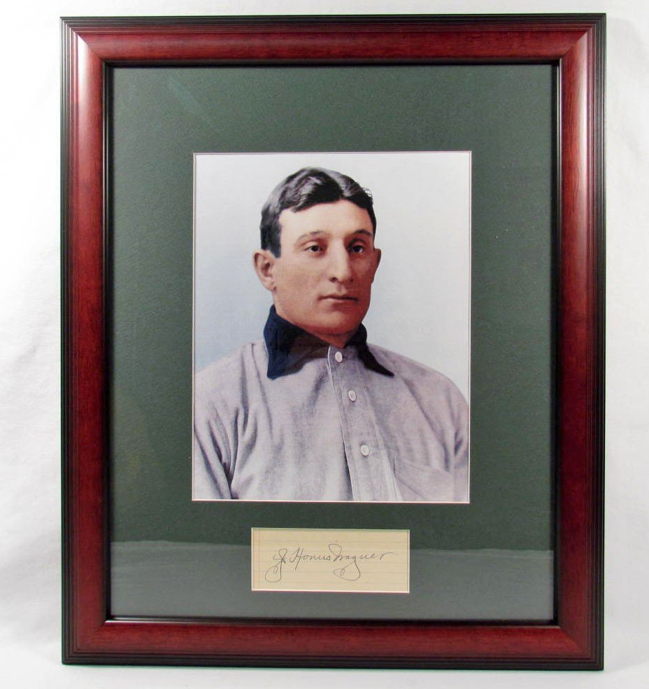 117: HONUS WAGNER CUT SIGNATURE W/ PHOTO - FRAMED W/ CO