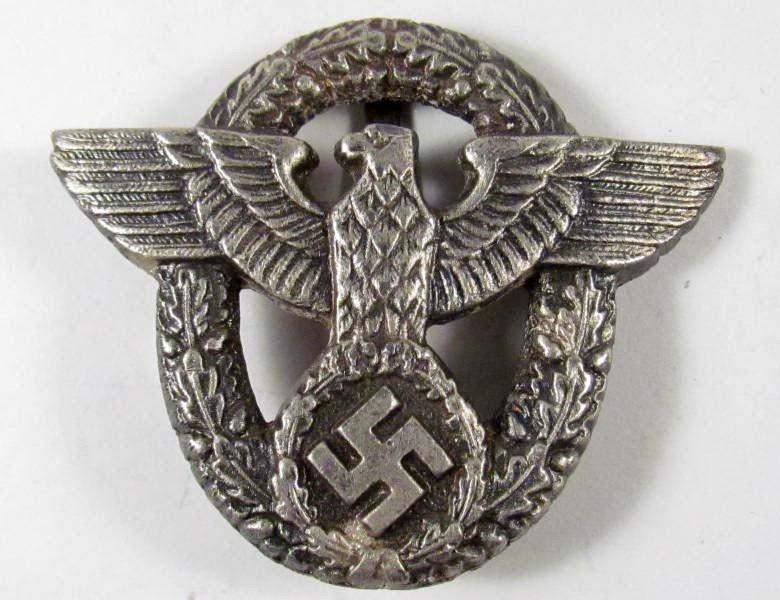 319: GERMAN NAZI BADGE