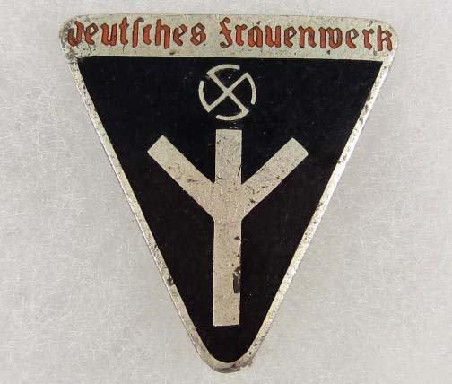 8: GERMAN NAZI DEUTSCHES FRAUENWERK WOMEN'S ENAMELED BA