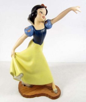 "WALT DISNEY CLASSICS ""THE FAIREST ONE OF ALL"" SCULP"