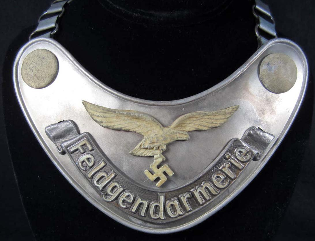 1: GERMAN NAZI LUFTWAFFE FIELDGENDARMERIE GORGET