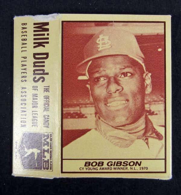 23: 1971 BOB GIBSON MILK DUDS ADVERTISING BASEBALL CARD