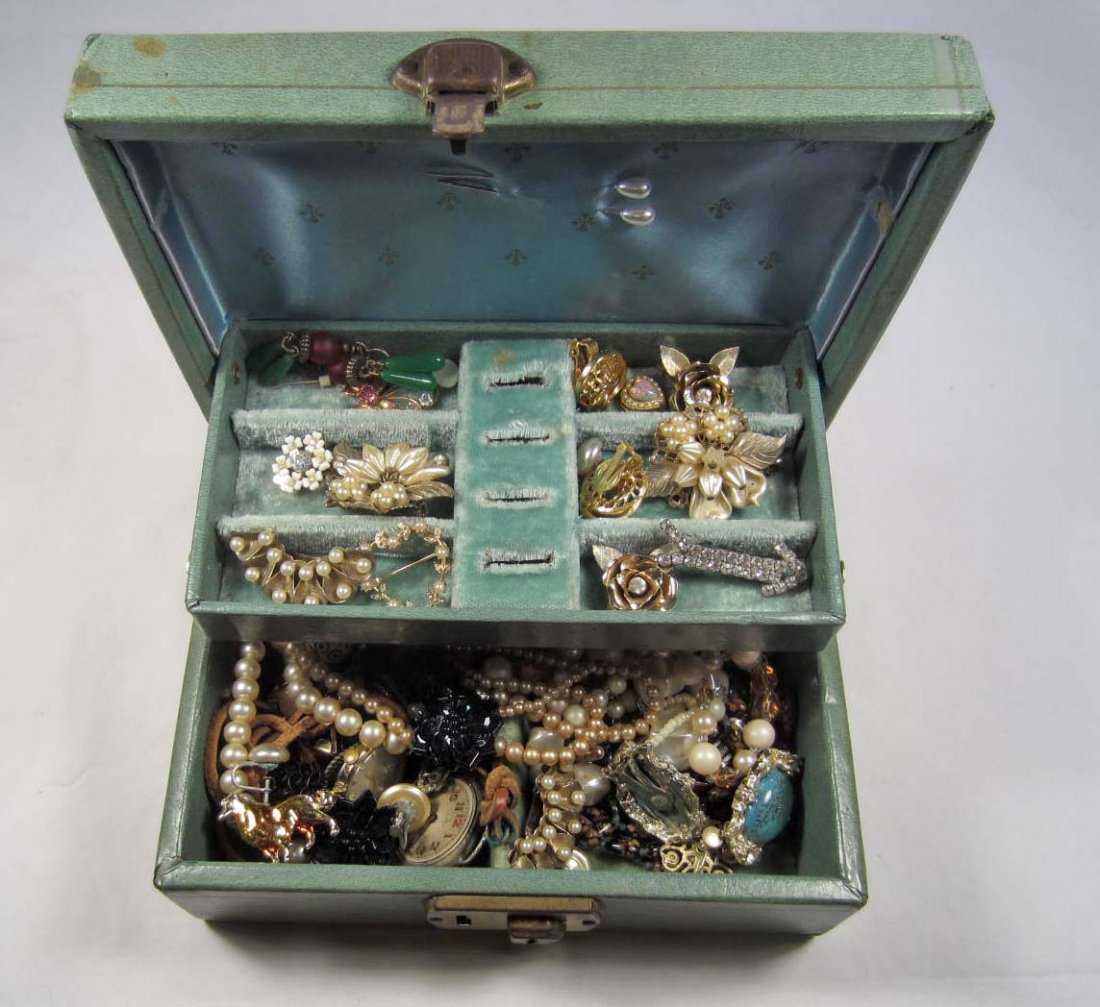 1: VINTAGE JEWELRY BOX W/ VINTAGE COSTUME JEWELRY