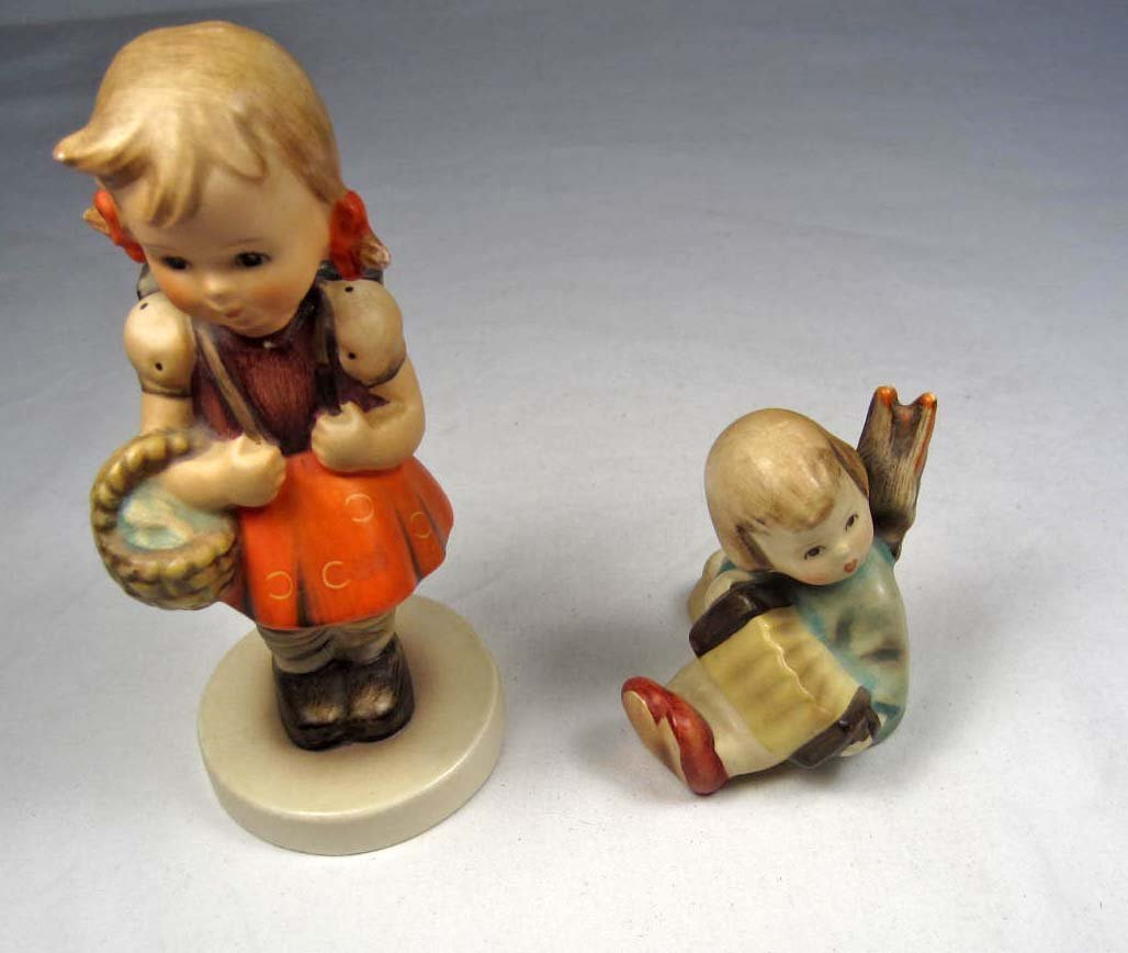 9: LOT OF 2 VINTAGE HUMMEL FIGURINES - ANGEL & SCHOOL G