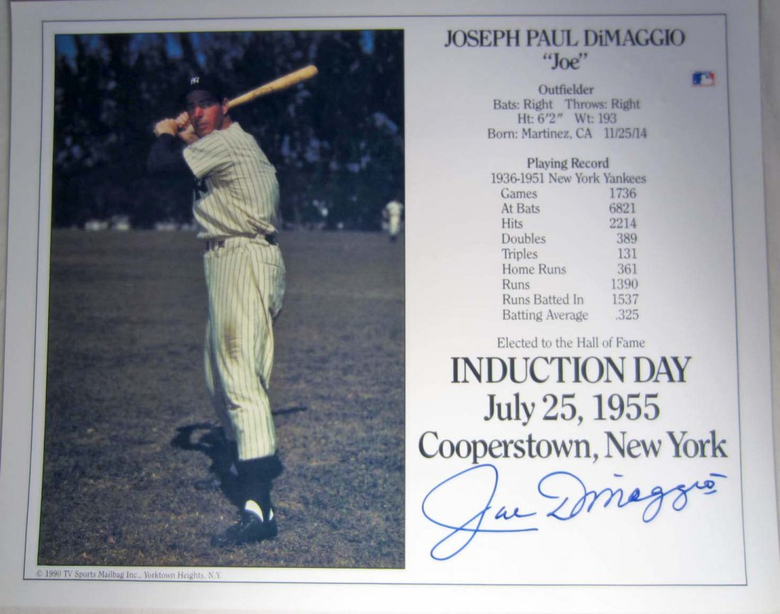 11: JOE DIMAGGIO AUTOGRAPHED PHOTO W/ COA