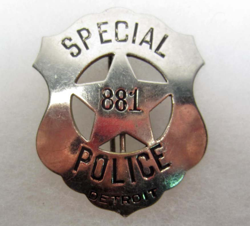 16: DETROIT MICHIGAN SPECIAL POLICE OFFICER #881 LAW BA