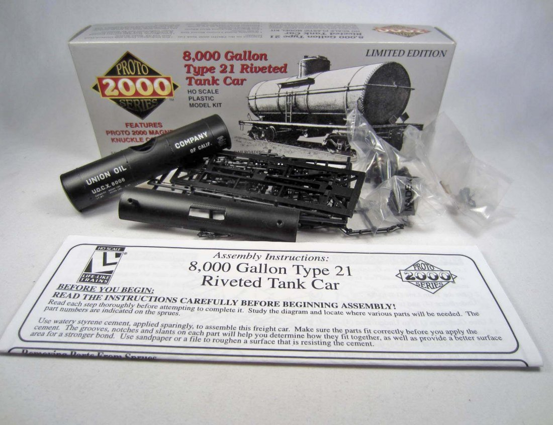 22: LTD. ED. 8,000 GALLON TYPE 21 RIVETED RAILROAD TRAI