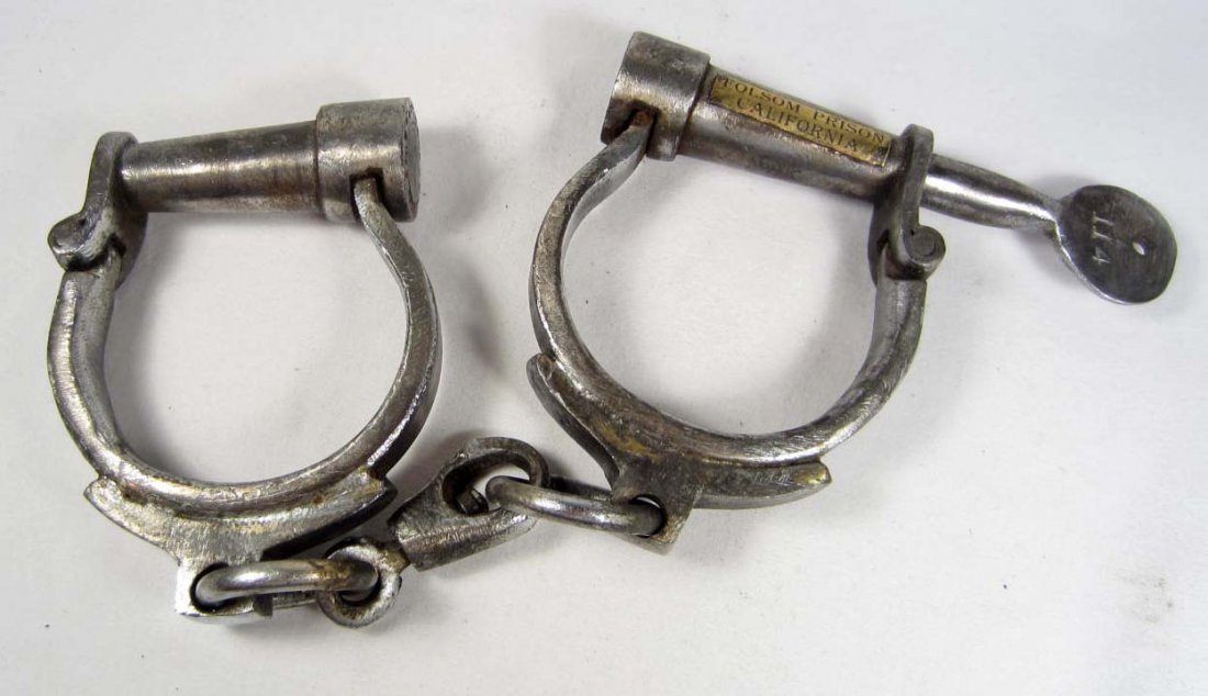 10: FOLSOM PRISON CAST IRON HANDCUFFS - CALIFORNIA