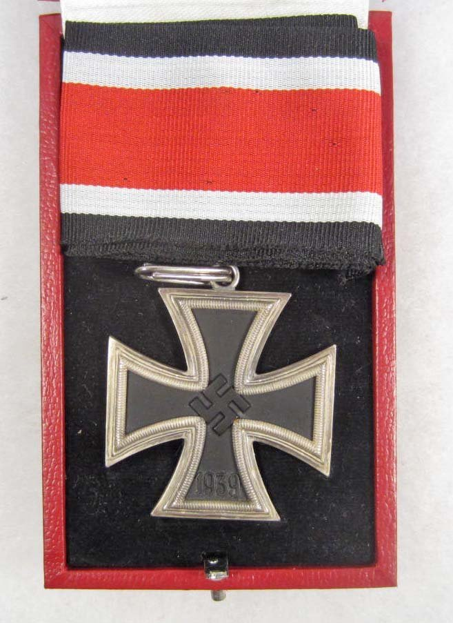123: CASED GERMAN NAZI KNIGHTS CROSS TO THE IRON CROSS