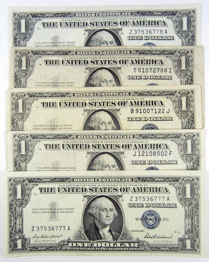 21: LOT OF 5 US ONE DOLLAR SILVER CERTIFICATES - UNC.