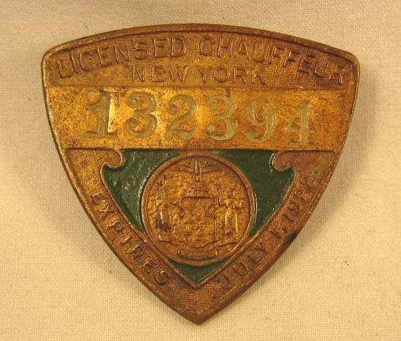 17: 1922 VINTAGE LICENSE NEW YORK CHAUFFEUR BADGE