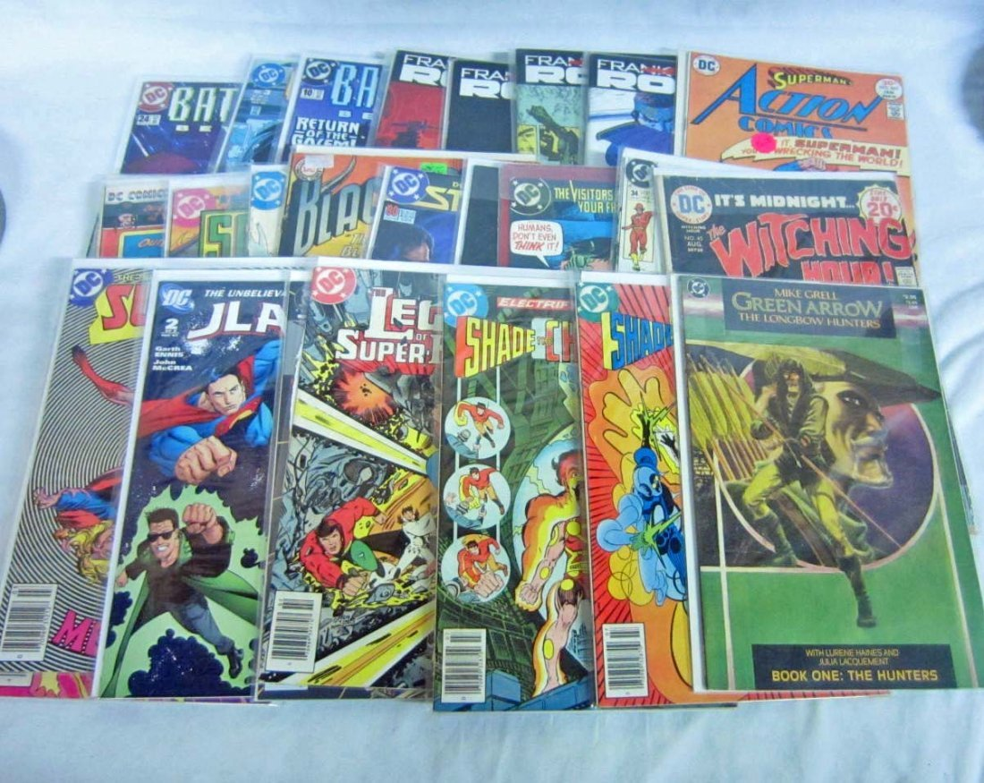 7: LOT OF APPROX. 25 VINTAGE COMIC BOOKS