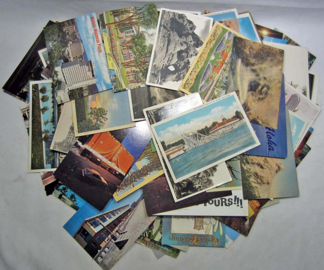 LOT OF APPROX. 200 VINTAGE POSTCARDS