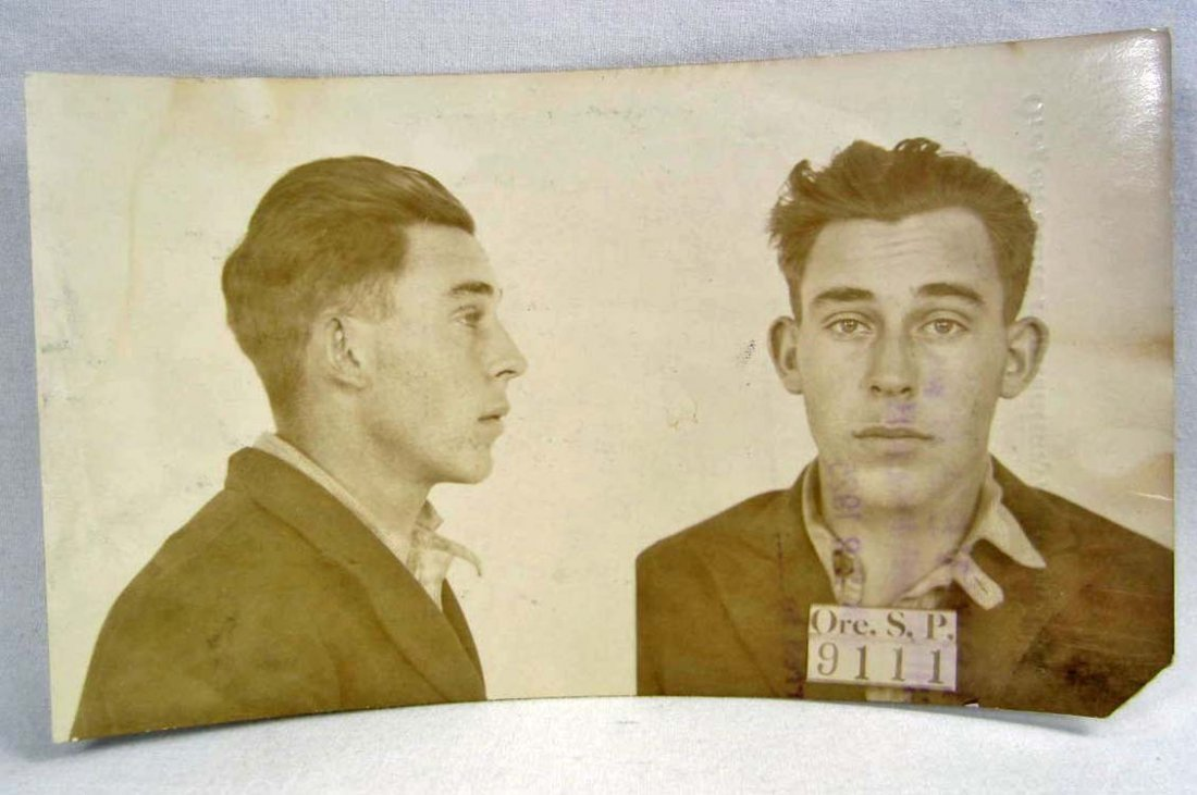 1925 PHOTO POSTCARD OF AN ESCAPED CONVICT FROM OREGON S