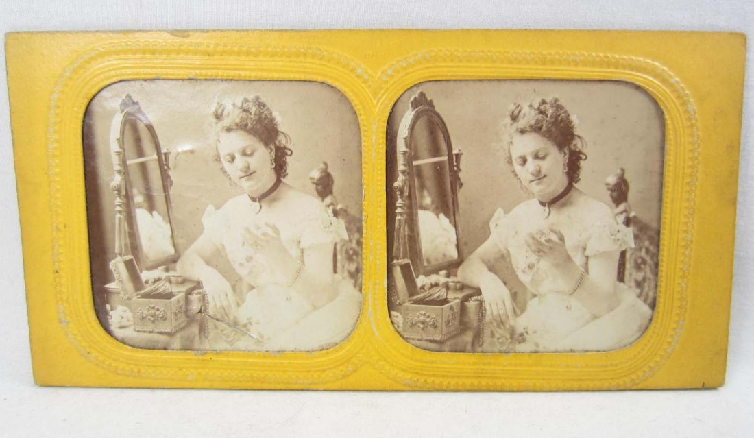 EARLY RARE STEREOVIEW PHOTO OF A WOMAN W/ JEWELRY BOX -