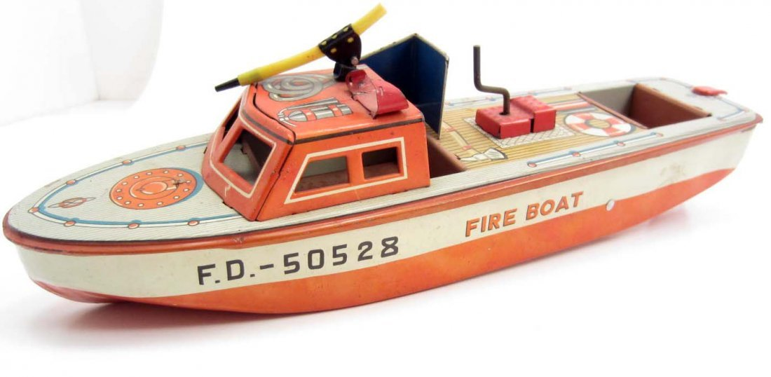 VINTAGE LINE MAR TIN FIRE BOAT TOY - WORKS