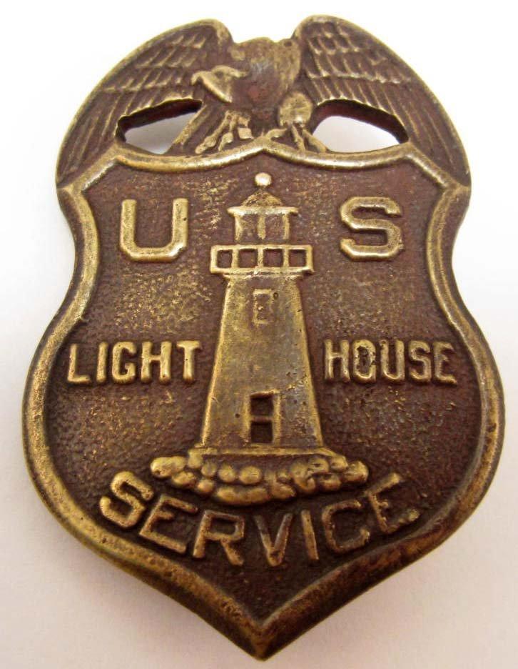 OBSOLETE US LIGHT HOUSE SERVICE BADGE - PINBACK