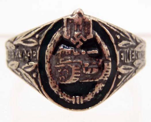 GERMAN NAZI ENAMELED ARMY TANK ASSAULT RING