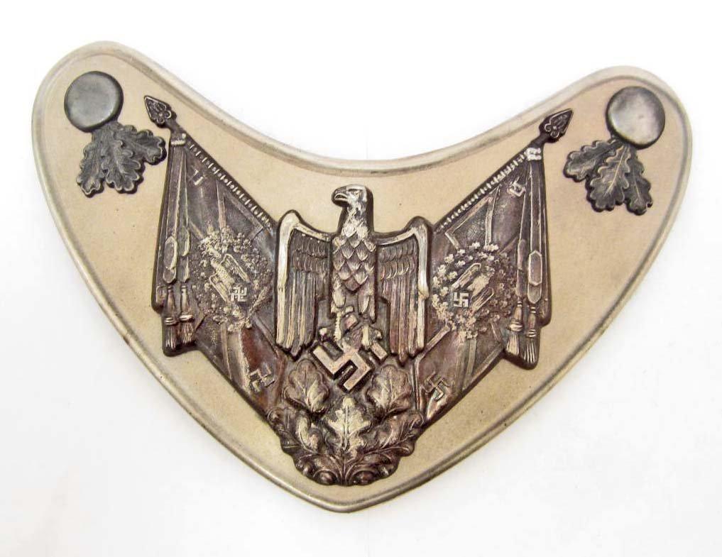 RARE GERMAN NAZI ARMY FLAG BEARERS GORGET