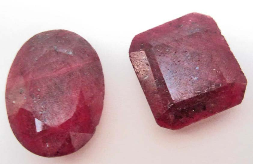 LOT OF 112.6 CTS. OF NATURAL AFRICAN RED RUBIES