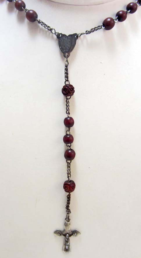 VINTAGE ROSARY BEADS WITH CROSS