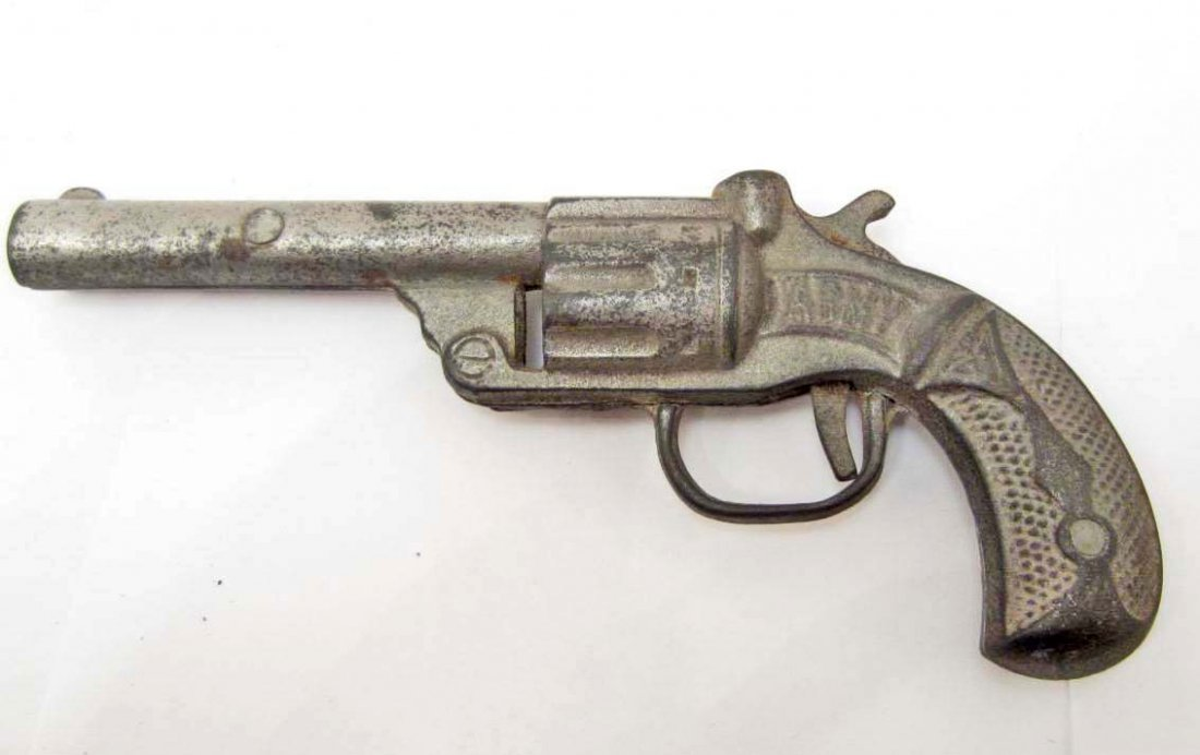 1920 IDEAL CAST IRON ARMY CAP GUN