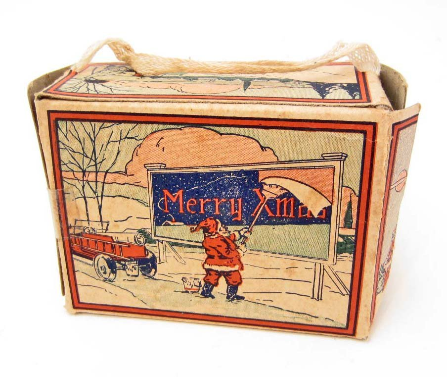 C. 1920'S ANIMAL CRACKERS CHRISTMAS BOX