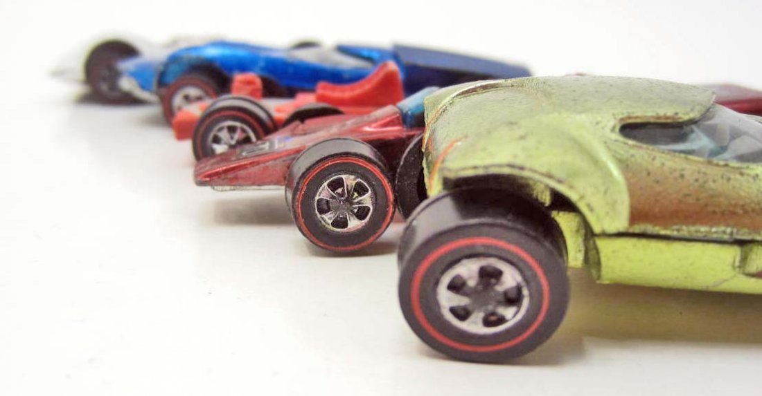 LOT OF 5 VINTAGE RED LINE HOT WHEELS W/ BADGES