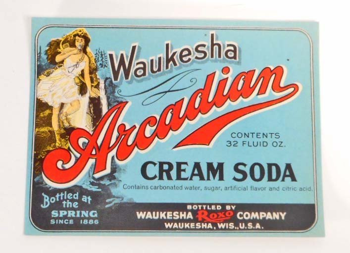 VINTAGE WAUKESHA ARCADIAN CREAM SODA ADVERTISING BOTTLE