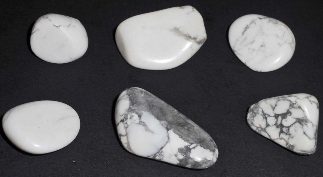 LOT OF 130.9 CTS OF SOUTH AFRICAN HOWLITE