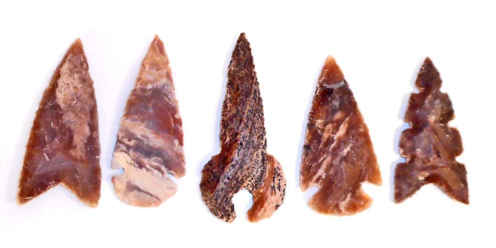 LOT OF 5 LARGE SPEAR TIP POINT ARROWHEADS