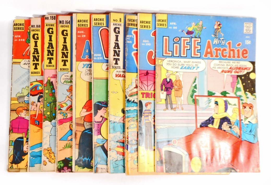 LOT OF 10 VINTAGE ARCHIE SERIES COMIC BOOKS