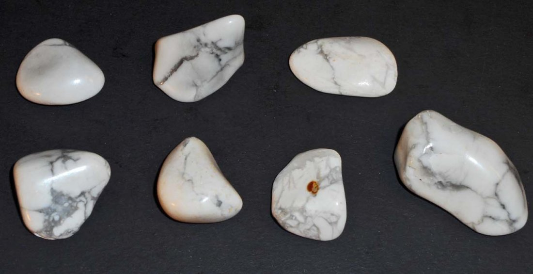 LOT OF 154.9 CTS OF SOUTH AFRICAN HOWLITE