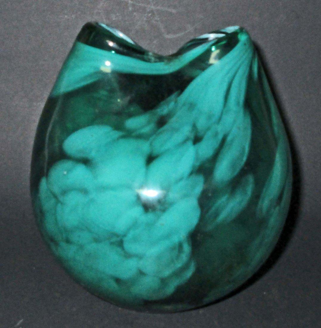 VINTAGE GREEN HAND BLOWN SWIRL ART GLASS VASE