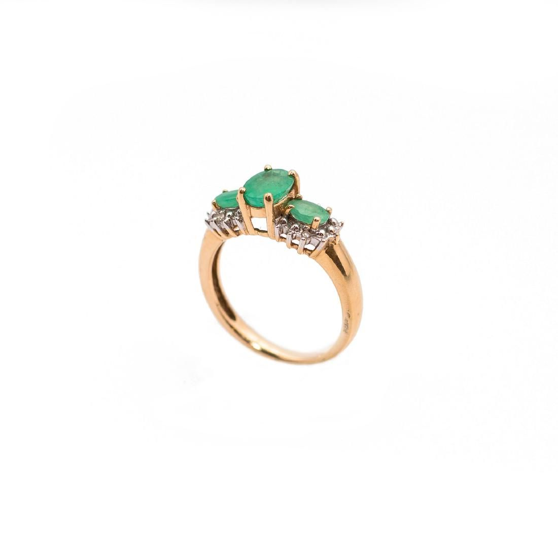 14 EMERALD & DIAMOND GOLD RING