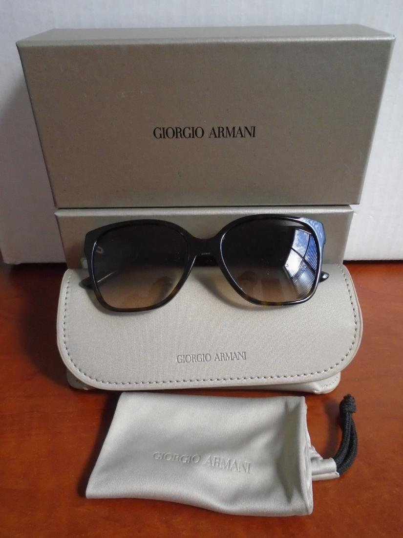 Giorgio Armani AR8061-502613, Woman's Sunglasses