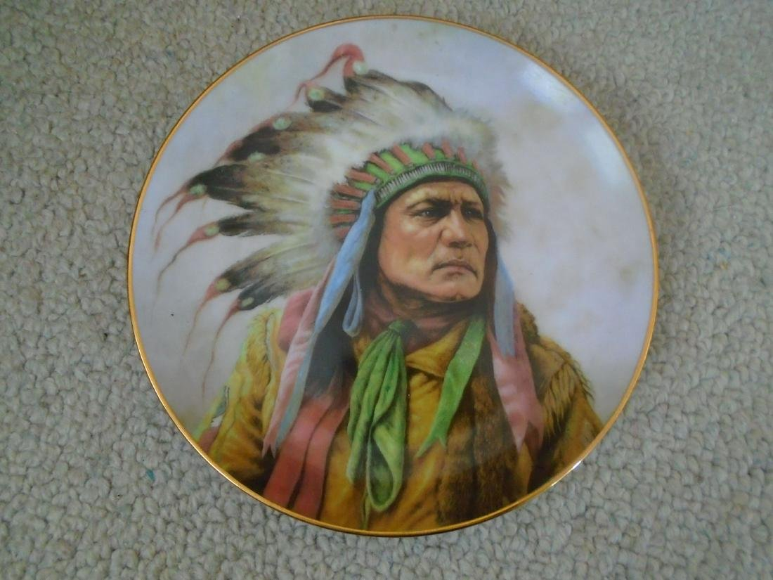 Set of 4 Artaffects Porcelain plates by Gregory - 8
