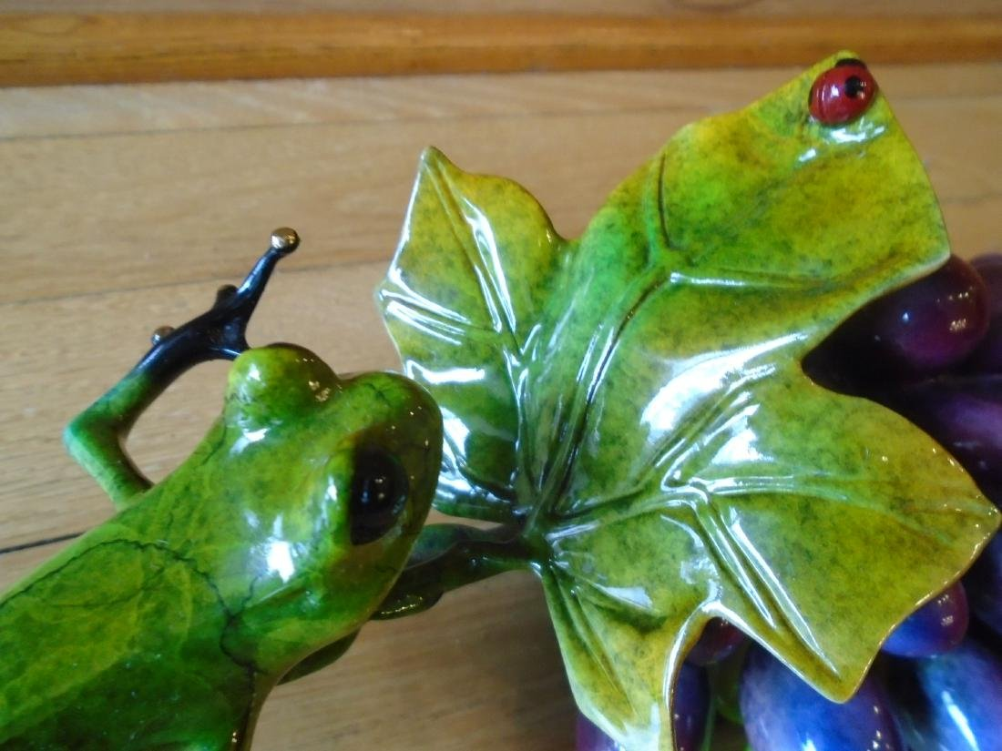 Merlot Green and black frogs with a grape cluster - 4