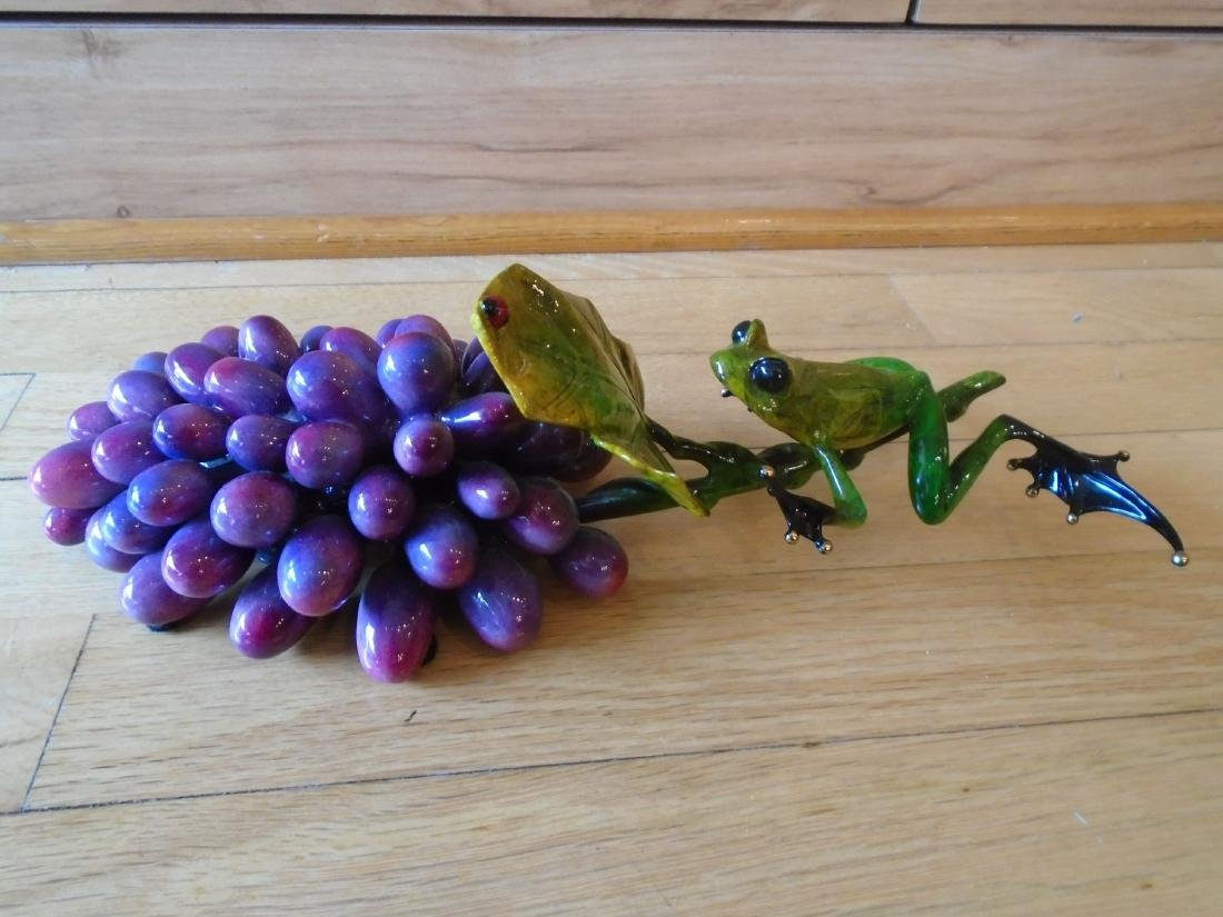 Merlot Green and black frogs with a grape cluster - 6