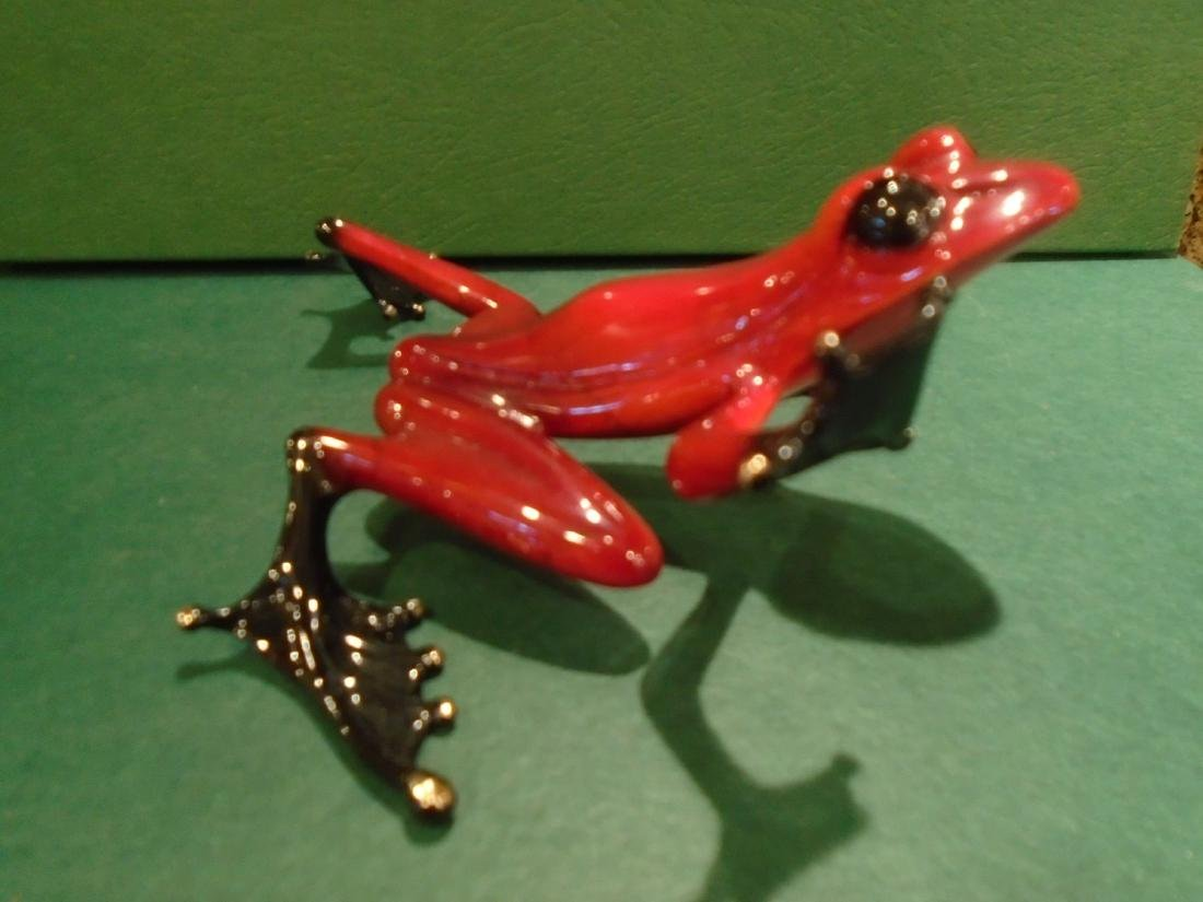 Romeo Red and black frog Bronze Sculpture - 3