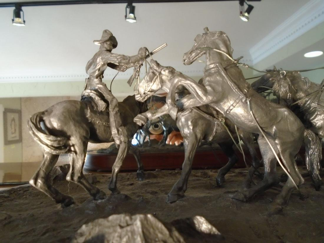 Hold Up Stagecoach with horses and figures Bronze - 2